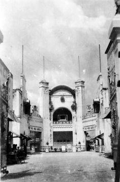 The New World, Singapore 1945