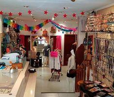Las tiendas hippies de Madrid más cool Madrid, Cool, Young Fashion, Tents