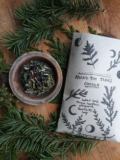 Among The Trees loose smudge for connecting and grounding in to the forest. I created this blend of wind fallen and wild gathered branches. Made of Cedar (Thuja occidentalis), bearberry leaf, mugwort (Artemisia vulgaris) and wild heather flowers. Note that this smudge has an mugwort in it, I can make an special blend for those who are allergetic to it. Burn carefully on a heat proof bowl. Australian and New Zealand folk, unfortunately I am unable to ship this smudge, because of the custom…