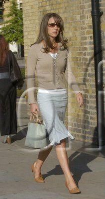 8.16.2006:  Kate shopping on Kings Road with her mother Carole