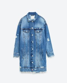 Want to know which celebrities love Zara as much as we do? Click through to see the very best shots of celebrities wearing Zara. Long Denim Jacket, Denim Jacket With Dress, Jean Jacket Outfits, Oversized Denim Jacket, Denim Coat, Outerwear Women, Outerwear Jackets, Jean Jackets, Fashion Clothes