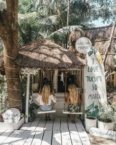 Headed to Tulum, Mexico? Don't miss this complete restaurant guide to Tulum featuring the best places to eat, drink, caffeinate and more.