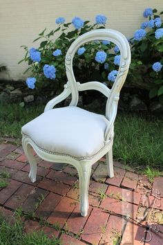 Seagull Gray balloon back chair, the most romantic vanity chair I've ever upcycled ~ Viral Upcycle