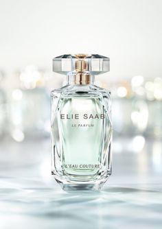 Elie Saab Le Parfum L`Eau Couture. Sua embalagem emana suaves brilhos de tom verde e azul. www.crispinna.com.br