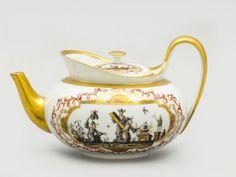 TeekanneAuf den Schauseiten und auf dem Deckel Grisaille-Chinoiserien in Kartuschen aus goldenen und — Porzellan