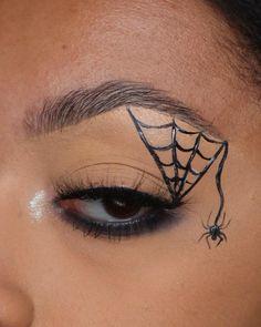 Halloween Spider Makeup, Spider Web Makeup, Halloween Makeup Looks, Halloween Ideas, Creative Eye Makeup, Colorful Eye Makeup, Eye Makeup Art, Graphic Makeup, Witch Makeup
