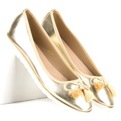 #Balerinki #Damskie #Bestelle #Żółte #Złote #Baleriny #Z #Frędzlami #Bestelle Chanel Ballet Flats, Shoes, Fashion, Moda, Zapatos, Shoes Outlet, Fashion Styles, Chanel Ballerina Flats, Shoe