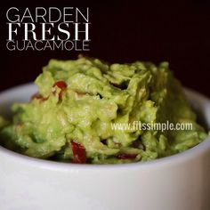 Clean Garden Fresh Guacamole (1 Blue)  // 21 Day Fix // fitness // fitspo // workout // motivation // exercise // Meal Prep // diet // nutrition // Inspiration // fitfood // fitfam // clean eating // recipe // recipes //Taco Tuesday