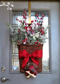 Great Ideas -- 20 Holiday Wreaths and Wall Hangings!