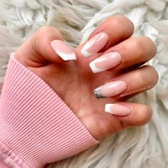 36 New French manicure designs to modernize the Classic Mani - GLAMINATI Inspiration for Modern and Beautiful Women - White Tip Nails, Glitter French Manicure, Red Manicure, Classic French Manicure, Classic Nails, French Tip Nails, French Acrylic Nails, Manicure Ideas, Pedicure