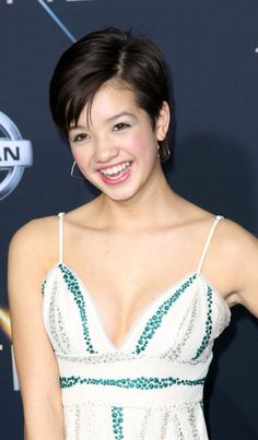 Peyton Elizabeth Lee, Just Jared Jr, Disney Girls, Gorgeous Women, Beautiful, The Incredibles, Hairstyle, Celebrities, Hot