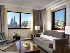 Regency View Suite - Living Area