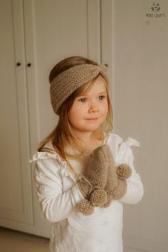 Avalon headband and mittens