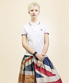 Love this skirt. Kind of looks like an old Union Jack.
