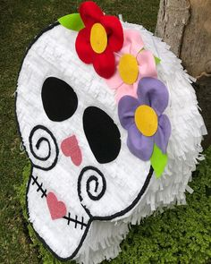 Fiesta 9 Mexican Birthday, Mexican Party, Halloween Crafts, Holidays Halloween, Halloween Party, Mermaid Pinata, Day Of The Dead Party, Mini Pinatas, Fall Festival Games