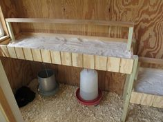 Chicken roost with poop board for easy clean up! | DIY projects for everyone!