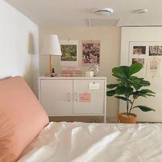 Room Ideas Bedroom, Home Bedroom, Bedroom Decor, Bedrooms, Pastel Room, Minimalist Room, Cute Room Decor, Pretty Room, Aesthetic Room Decor