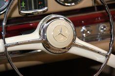 I love skinny steering wheels! Mercedes Benz Classes, Mercedes Benz Cars, Steering Wheels, Car Badges, Auto Design, Classy Cars, Benz E Class, Car Museum, Classic Mercedes