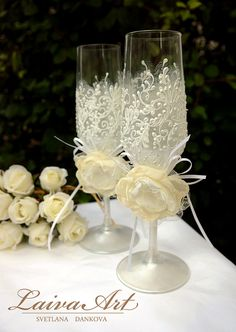 Wedding Champagne Flutes Personalized Ivory Champagne Glasses Toasting Flutes Set Of 2 Champagne Flutes - Bride and Groom These are hand painted set of