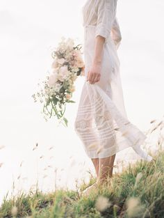Ethereal and Romantic Bridal Style among the Hawaiian Hills