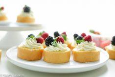 Basis recept: Rolcake | Kookmutsjes High Tea, Cake Cookies, Creme, Cake Recipes, Cheesecake, Food Porn, Desserts, Food Cakes, Recipes