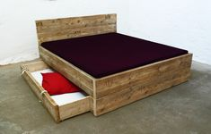 Design Bett aus Bauholz mit Bettkasten // design bed by Up-cycle! via DaWanda.com