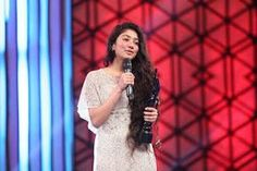 Sai Pallavi At Britannia-Filmfare-Awards-2016