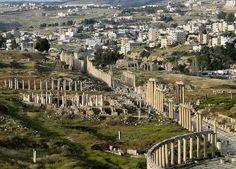 約旦特輯:傑拉什Jerash始建於公元前2000年,海拔高度約600米,該鎮大部分地區在公元749年發生的地震中被摧毀。 ©Bernard Gagnon。  約旦行程:http://eztravelturkey.com/jordantours.html