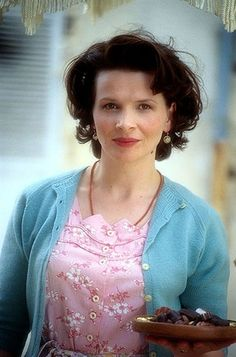 I love love her styling in the movie Chocolat.  Perfection!  Juliette Binoche | Chocolat | The FanCarpet