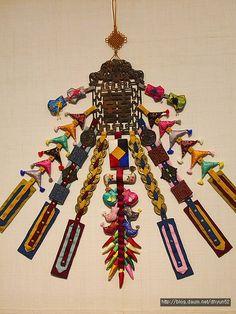 1255493E50309DC5320540 (400×533) Korean Image, Korean Art, Korean Hanbok, Korean Dress, Z Craft, Korean Accessories, Diy And Crafts, Arts And Crafts, Korean Jewelry