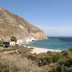 CALA DE SAN PEDRO. (Cabo de Gata) http://almeriapedia.wikanda.es/wiki/Cala_de_San_Pedro_(N%C3%ADjar)