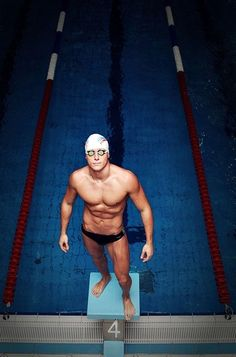 Swimming senior picture ideas for guys. sports senior picture ideas for guys. Swimming Senior Pictures, Swimming Photos, Senior Pictures Boys, Senior Photos, Senior Portraits, Swimming Photography, Senior Boy Photography, Sport Photography, Team Pictures