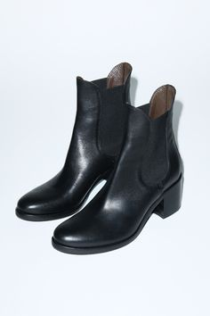 No. 6 Pull on boots