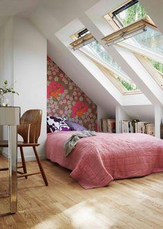 Chambre simple et colorée