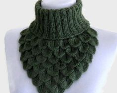 Crochet Neck Warmer, Crocodile Scarf, Neck Cowl, Green  Chunky, soft, Winter Accessories