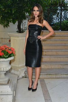 Jessica Alba with a strapless black leather cocktail dress enriched by black swarowsky crystals from Versace FW 2012- 2013— presso Ritz Paris.