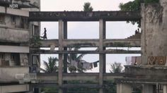 Mosambik: Die Besetzer des Grande Hotels in Beira - Sehen Sie dazu eine Reportage bei HOTELIER TV: http://www.hoteliertv.net/reise-touristik/mosambik-die-besetzer-des-grande-hotels-in-beira