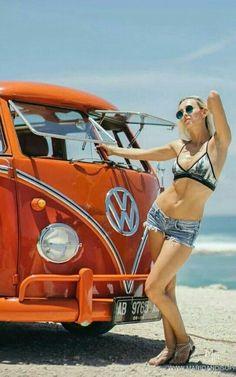 Volkswagen – One Stop Classic Car News & Tips Volkswagen Transporter, Volkswagen Minibus, Vw T1, Chevy Camaro, Bugatti Veyron, Kombi Hippie, Combi Ww, Carros Vw, Combi Split
