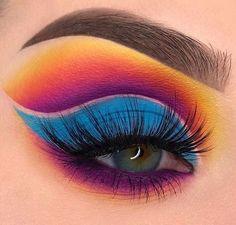 "History of eye makeup ""Eye care"", in other words, ""eye make-up"" is definitely a field Makeup Eye Looks, Beautiful Eye Makeup, Eye Makeup Art, Eye Makeup Tips, Cute Makeup, Makeup Goals, Makeup Inspo, Eyeshadow Makeup, Crazy Eyeshadow"