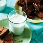 Summer Reading + Flourless Nut Free Brownies