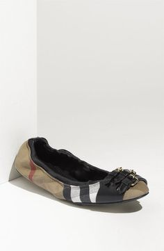 Burberry Beat Check Cap-Toe Flats low price for sale sneakernews cheap price clearance lowest price JWE0J