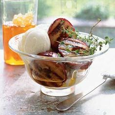 Honey-Glazed Grilled Plums Drizzle honey over plums grilled just long enough to soften the fruit and release its natural juices. Serve this dessert warm along with a scoop or two of cool frozen yogurt for a sweet and refreshing finish. Grilled Desserts, Grilled Fruit, Grilled Peaches, Barbecue, Prune Recipes, Healthy Grilling Recipes, Grilling Ideas, Grill Recipes, Healthy Chef