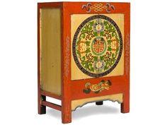 Aparador antiguo Escudo - Pinceladas Orientales - MooiMaak. Ventas privadas de decoración e interiorismo