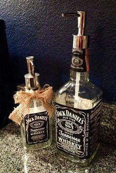 DIY Jack Daniels Soap Dispenser - 18 Creative DIY Ideas That Revive Old Objects (Liquor Bottle Dispenser) Jack Daniels Soap Dispenser, Jack Daniels Bottle, Jack Daniels Decor, Liquor Bottles, Bottles And Jars, Glass Bottles, Tequila Bottles, Do It Yourself Furniture, Deco Originale