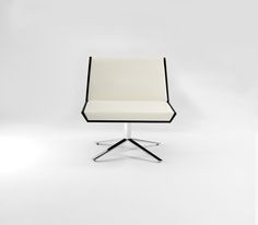 Fold Lounge Chair Four Star Base Front View