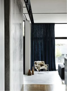 Interior design office Fiona Lynch Design Studio designed Balwyn House a stylish minimal residence located in Australia. This home wa… Australian Interior Design, Interior Design Awards, Decoration Inspiration, Interior Inspiration, Decor Ideas, Melbourne House, Sweet Home, Minimalist Home Decor, Minimalist Curtains