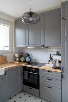 Apartment Kitchen, Living Room Kitchen, Home Decor Kitchen, Bodbyn Kitchen Grey, Grey Kitchens, Grey Kitchen Designs, Interior Design Kitchen, New Kitchen Cabinets, Kitchen Layout