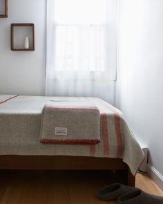 Light Grey Wool Blanket - MacAusland Woolen Mills - Nalata Nalata