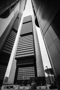 Torre Bankia Madrid España by Balzak-, via Flickr
