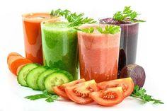 Τα φρούτα και τα λαχανικά είναι οι βασικές πηγές φυτικών ινών και βιταμινών που λαμβάνει ο οργανισμός μας... Detox Juice Recipes, Detox Drinks, Juice Cleanse, Detox Juices, Cleanse Recipes, Low Calorie Vegetables, Dietas Detox, Coquille Saint Jacques, Tomato Juice